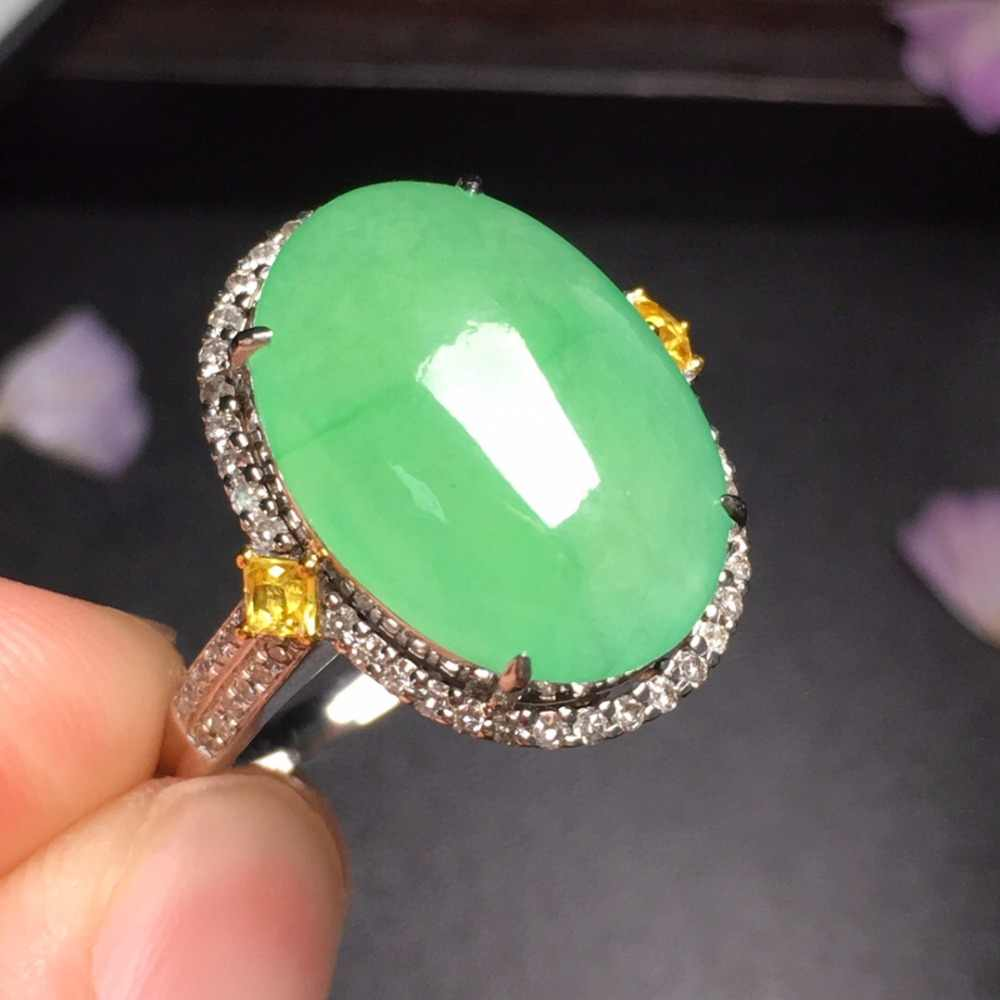 424 เครื่องประดับบริสุทธิ์ 18 K สีขาวทองธรรมชาติสีเขียวหยกพม่าแหล่งกำเนิดสินค้าหมั้นหญิงแหวนแหวน Fine