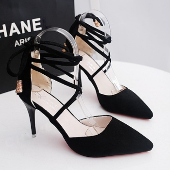2019 New Hot Fashion Suede Shallow Mouth High Heels Wild Pointed Hollow Sexy Comfortable High Heels.