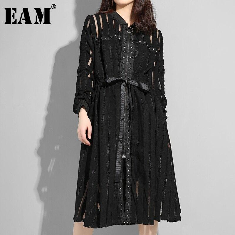 [EAM] 2019 New Autumn Winter Stand Collar Long Sleeve Black Striped Perspective Zipper Loose Dress Women Fashion Tide JS958