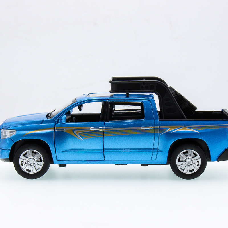2017 Hot sell 1:32 Pickup 150 SUV Jeep Diecast Alloy Metal Luxury Car Model Collection Model Pull Back Toys Car Gift For Boy