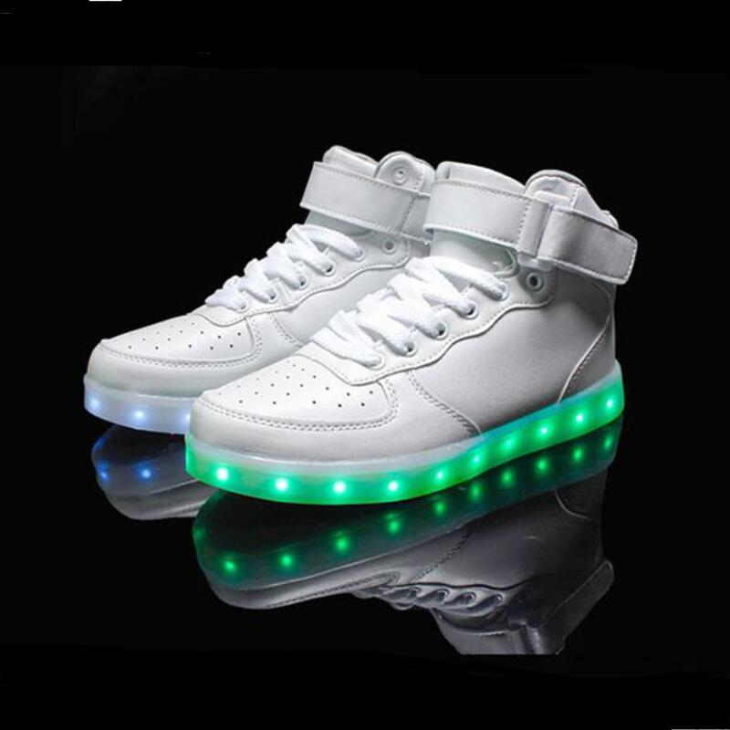 2018 women lights up led luminous shoes high top glowing casual shoes with new simulation sole charge for men adults neon basket недорго, оригинальная цена