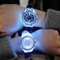Светящиеся часы со светодиодной подсветкой  мужские и женские часы для студентов  7 цветов  световые наручные часы для детей