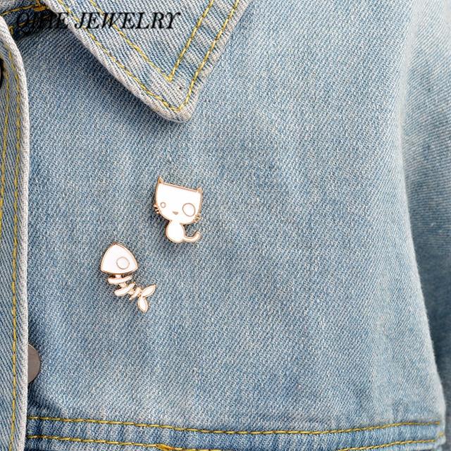 QIHE JEWELRY 2pcs/set brooch pins set Kawaii white cat & fish bone brooch set La