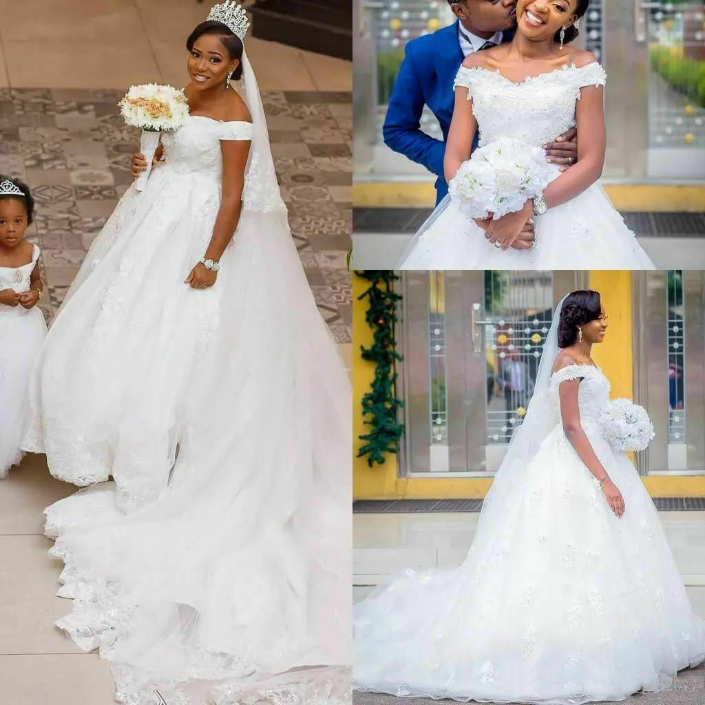 Ball Gown Sweetheat Vintage Off Shoulder Lace Appliques Wedding Dresses African Country Bridal Gown 2020
