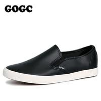 Slipony GOGC 2017 Brand New Stlye Homens Casuais de Couro Preto Homens Sapatos Flats Deslizamento Respirável em Sapatos Vulcanizados Homens mocassins