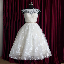 Backless Cap Sleeve Beadings Sash Lace Vintage Tea Length Short Wedding Dresses Bridal Gowns New Vestido de Noiva Appliques