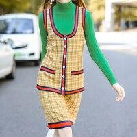 3 Photos Sans Manches À Carreaux Manteau Ensemble Pour Les Femmes A-ligne De Mode Jupe Femelle Italien Conception Col Roulé Costume Tricoté Pull Pour Dame