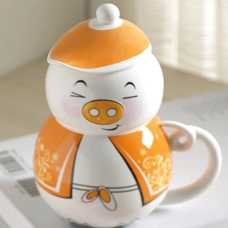 300ml Cute cartoon piggy Ceramic mug creative birthday Gift Bone Porcelain Mug With lid Free Shipping