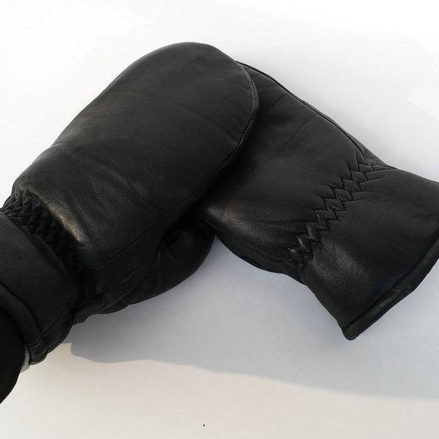 2017Men sheepskin gloves genuine leather glove for men winter Outdoor warm fur thickening thermal gloves 1