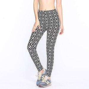 Image 5 - 흑백 세로 스트라이프 인쇄 된 여성 레깅스 패션 캐주얼 탄력 발목 길이 바지 여성 fitnes legging