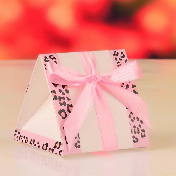 12 шт./лот свадебной коробка конфет Бумага подарок Коробки для гостей Пирамида