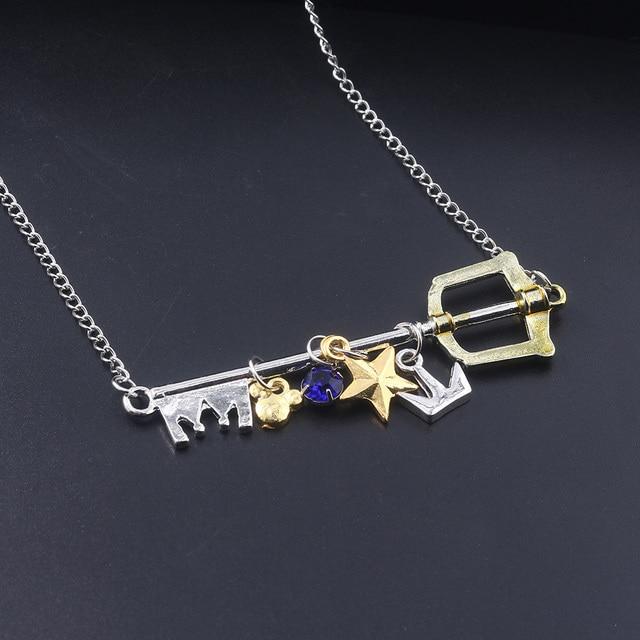 SG nowa gra królestwo serca naszyjniki wisiorek Sora klucz Keyblade Paopu owoce korona Logo brelok mężczyźni Cosplay biżuteria prezent