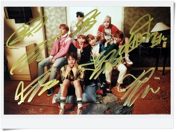 signed  BTS autographed group photo K-POP  6 inches  freeshipping  09201702
