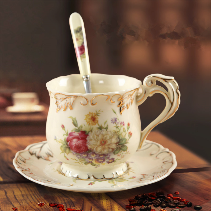 British Top-grade Tea Cup And Saucer Set Chinese Ivory Ceramic Coffee Cups Set Ceramic Advanced Porcelain Cup for Wedding Gifts
