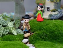 2pcs/Set Sweet Korean Couple Home Decoration Ornaments Mini Crafts Bonsai Micro Landscape Craft Fairy Garden Miniatures