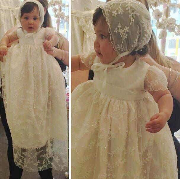 Mangas curtas vestido de Baile Comunhão Santamente Vestidos O Neck vestido Bebê Vestidos Beading Apliques Marfim Longo Vestido de comunion M1393