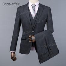 fe1fa3120714c KUSON Moda Koyu Gri Erkek Takım Elbise Set Resmi Ince Uygun Akşam Yemeği Düğün  Takımları Erkekler Için Damat Smokin 3 Adet Ceket.