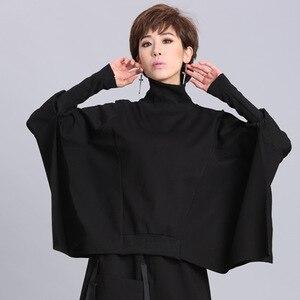 Image 3 - [EAM] coupe ample noir asymétrique surdimensionné sweat nouveau col roulé manches longues femmes grande taille mode marée printemps 2020 OA869