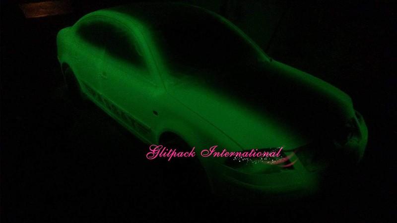 glow in the dark pigment_