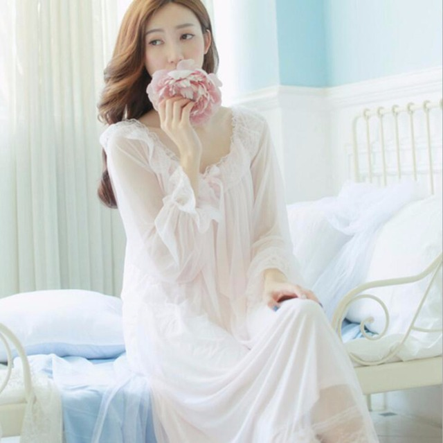 2017 Vintage Romantic Classic Princess Long Sleeve sleepwear and robes Women  long white pink lace Nightgowns fb5b67cf6