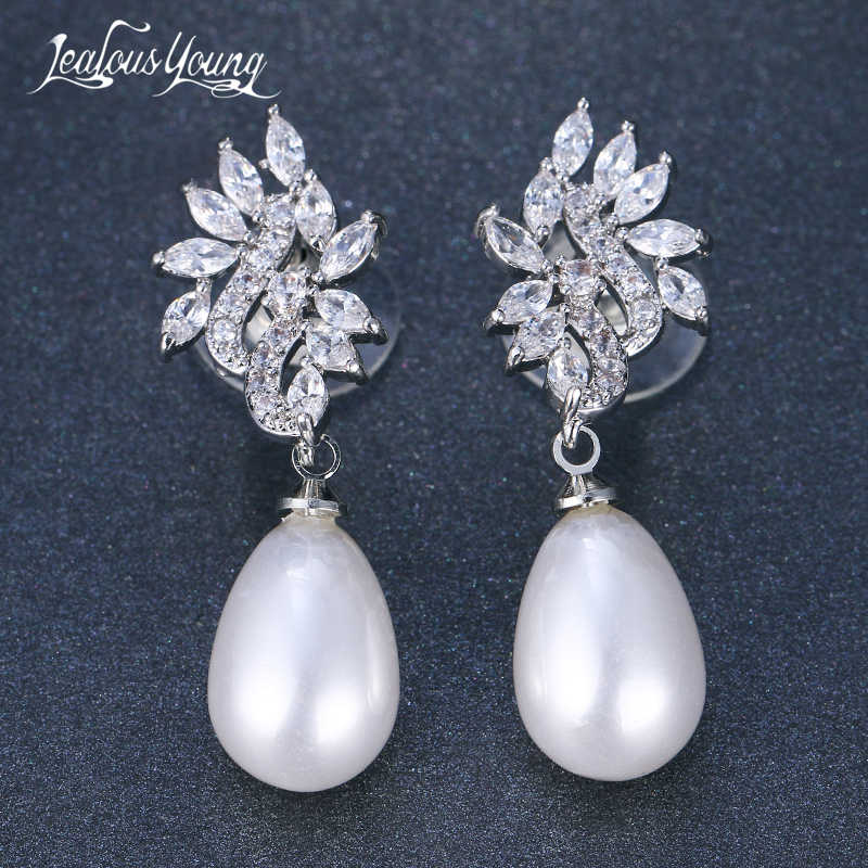 2018 New Oval Simulated Pearl Earrings For Women CZ Stone Drop Earrrings Leaf Bride Earrings Fashion Jewelry Brincos AE557