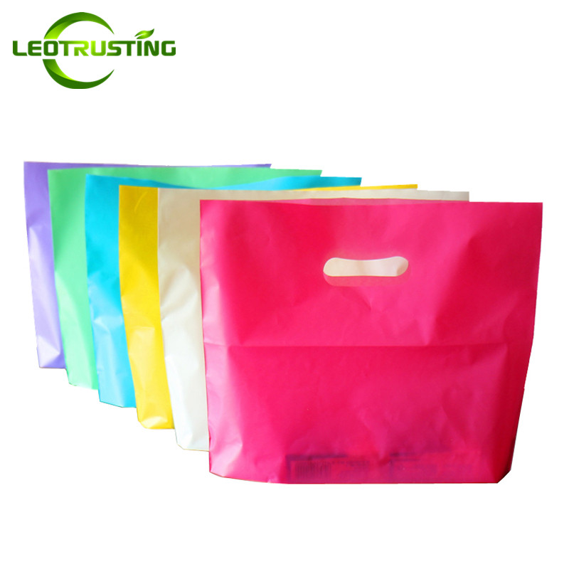 Leotrusting 50pcs Wholesale Color Beauty Plastic Shopping Bags with Handle Personal General Boutique Clothes Gift Packaging Bags