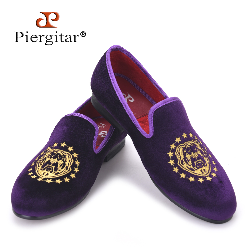 Piergitar new Purple color velvet men handmade loafers with delicate embroidery USA style Fashion party and banquet men's flats new handmade men fashion party and
