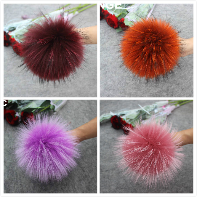 Image 5 - 4pcs/lot New Color DIY Natural Real Raccoon Fur Pompoms Fluffy Genuine Fur Pom pom for Winter Hat Beanies Knitted Cap Skullies-in Men's Skullies & Beanies from Apparel Accessories