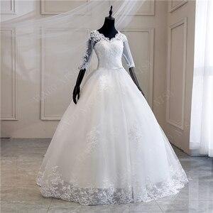 Image 3 - Женское свадебное платье с длинным шлейфом, кружевное бальное платье с аппликацией и V образным вырезом, с коротким рукавом, винтажное платье принцессы для невесты