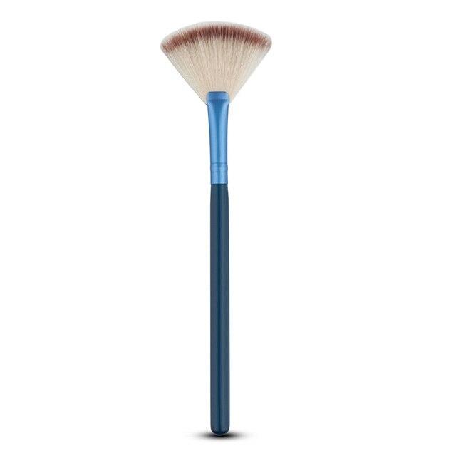 5 צבע לבחור צורה מניפה סומק אבקה קוסמטית קרן סומק מברשת איפור Slim אבק ניקוי כלי מברשת איפור פנים יופי