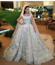 Dubai Luxury Ball Gown Heavy Beads Wedding Dress 2017 Vintage Square Flower Lace Bride Dress Vestido De Noiva Princesa Luxo LW13