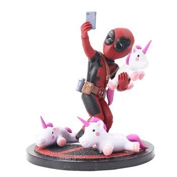 Figurine 13cm Avengers Deadpool Licorne selfie