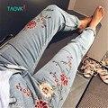 TAOVK Русский стиль дизайн новая мода 2017 женские брюки промывают Вышивка джинсы для женщин