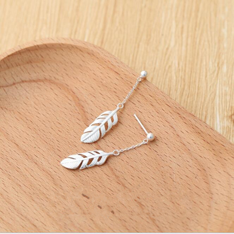 New Arrival Fashion 925 Sterling Silver Jewelry Earrigs Female Sweet Feather Temperament Simple Personality Earrings SE242