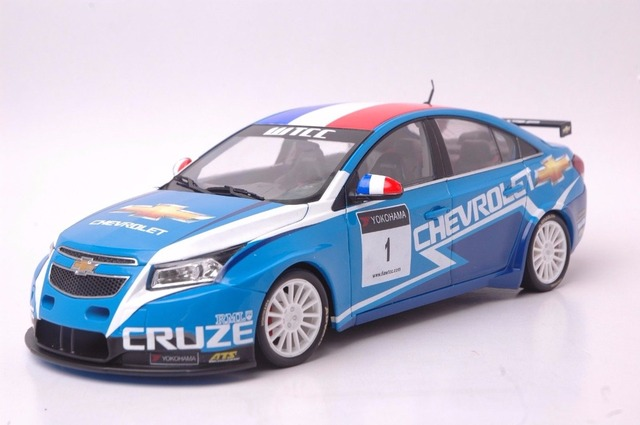 1 18 Diecast Model For Cherolet Chevy Cruze Wtcc 2011 Gold Racing