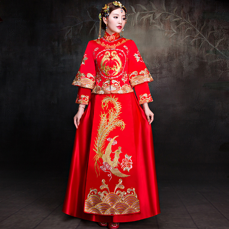2018 New red Embroidery Phoenix Cheongsam Chinese Traditional bride Wedding Dress Women qipao Long evening Dress Retro Dress