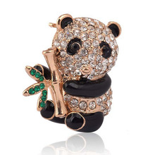 Han edition cute rhinestone alloy panda animal brooch fashion brooches accessories wholesale jewelry factory direct sale