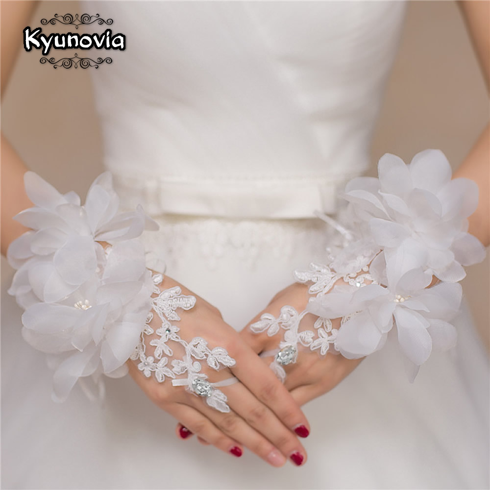 Kyunovia New Style Elegant Red White Evening Prom Accessories Gloves Short Design Flower Decoration Wedding Bridal Gloves D79