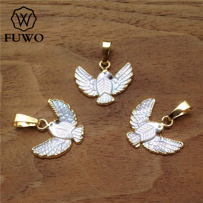 JP091 Natural Pearl Shell Pendant Round Shape Gold Pendant Bird Pattern In White Black Color Dainty Carved Shell Jewelry Peace Dove Pendant