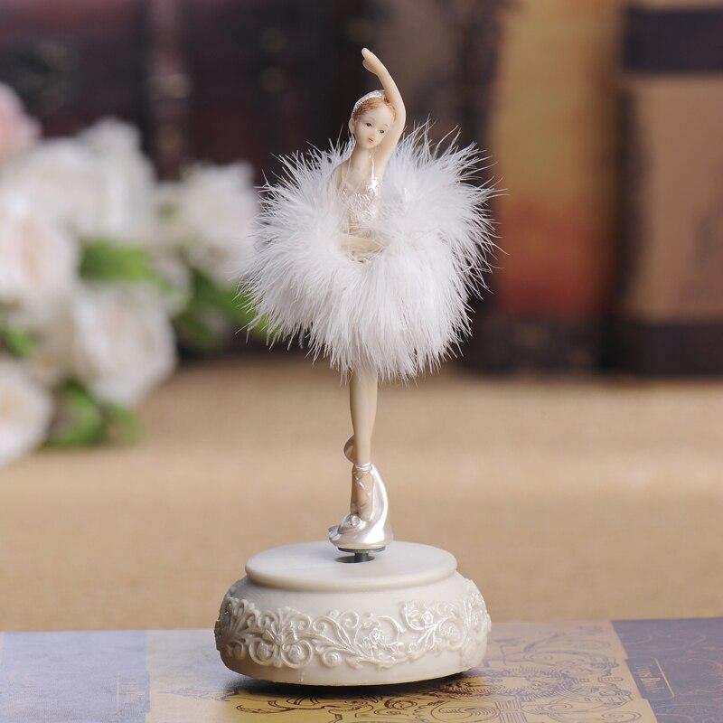 Décoration de la maison ballet fille boîte à musique danse poupée boîte à musique cadeau d'anniversaire petite résine folk art fée danse fille figurine