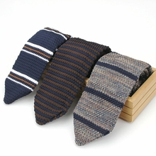 Mens Casual Stripe Patterned Knit Neck Tie Upscale Men Accessories
