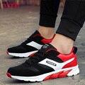 Nuevos Hombres de la Marca Zapatos Casuales Respirable Cómodo Suede Mesh Lace Up Entrenadores Zapatillas de Deporte Plana Calzado Hombre Negro Rojo