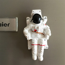 Free shipping Astronaut Space Hero Resin Figure Toy Tourist Souvenir Home Fridge decorate party supply Magnet kid education gift
