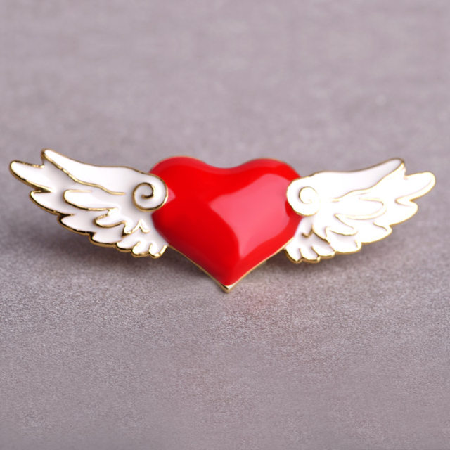Wholesale CardCaptor Sakura Love Heart Wings Brooches Enamel Cartoon Anime Cosplay Cub Badge Vestido Icon Hijab Pins Brooch 3pcs