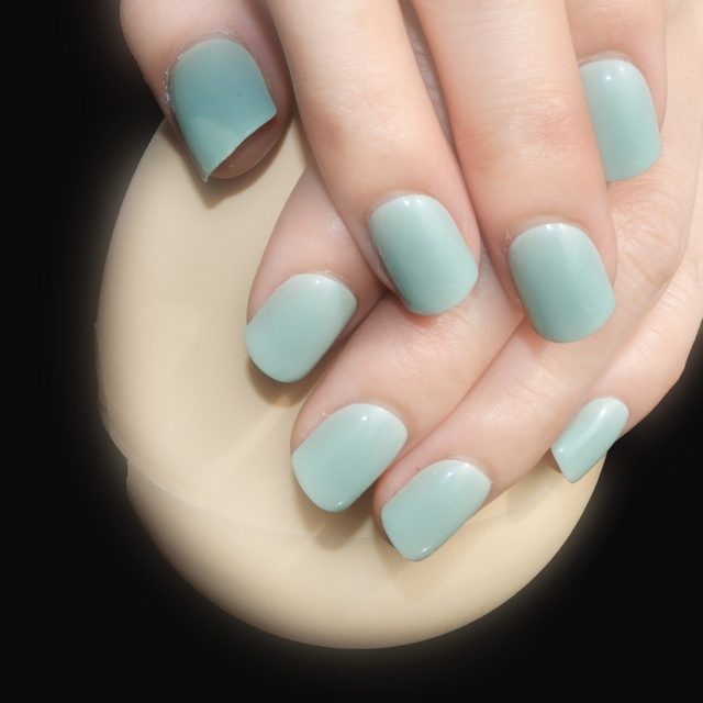 Shiny Surface Candy Light Green Nail Tips Short Size Design Fake