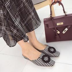 Для женщин низкий каблук шлёпанцы Пряжка закрытый носок обувь полосатые туфли на плоской подошве шлёпанцы для шлёпанцы Лоферы дизайнер