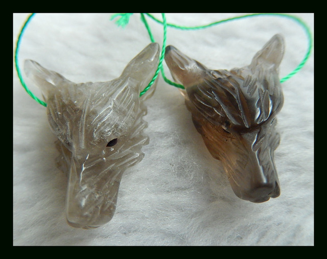 Wholesale 2pcs Carved Wolf Head Smoky Quartz Necklace Pendant 26*19*10mm 8.82g Natural Stone pendant wolf carving neckalce