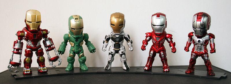 Movie Figure 10 CM 5PCS/SET Iron Man MK 5 33 35 37 39 with Light PVC Action figure Collectible Model Toys Brinquedos