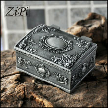 Zipi New Retro European Princess Jewelry Box Gothic Square Obscure Metal Jewelry Box Jewelry Ring Box Gifts