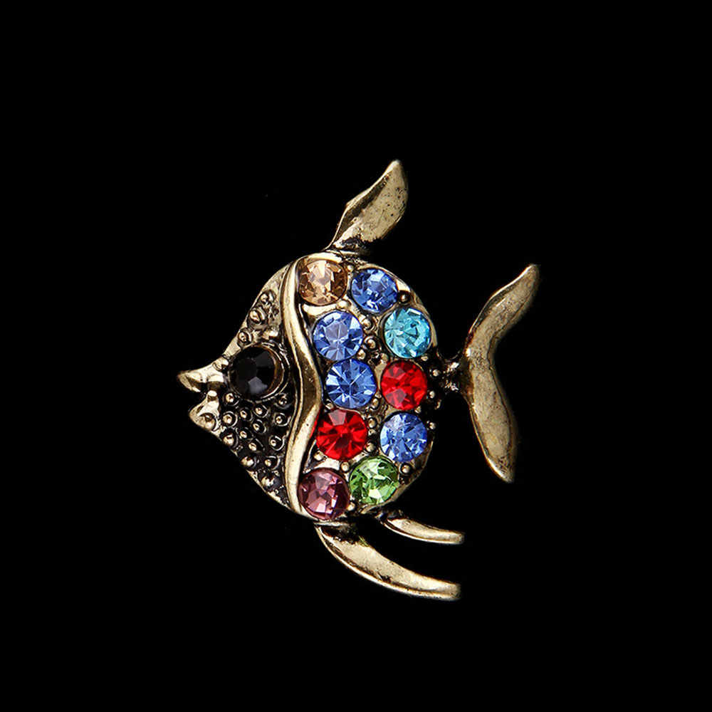 ... New Cute Crystal Fish Brooches Pin Animal Shinny Rhinestone Tropical  Fish Brooch For Women Party Dress ... 49d3161d6d42